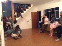 Víctor rosales expone su propuesta ante el equipo de la Macolla Creativa