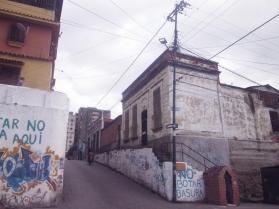 Paula Mercado Trabajó en una Intervención en la esquina de Zapatero que busca propiciar un nuevo sentido a partir de una historia fragmentada